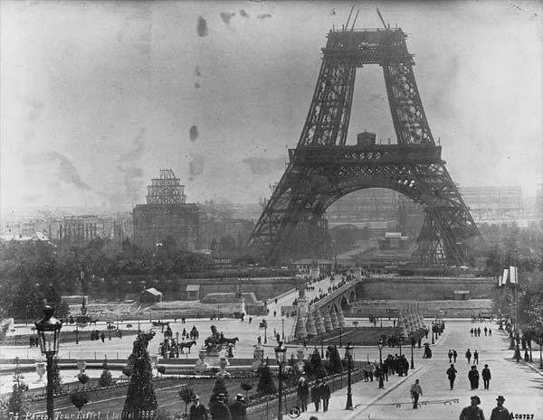 La Torre Eiffel en 1878